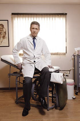 Sin exámenes. ´´Somos más que la consulta de pasillo´´, reconoce el Dr. Del Giudice, que ya atendió el nacimiento de 5.000 bebes