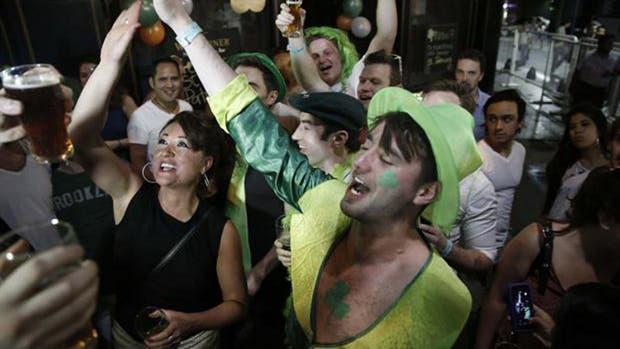 Los porteños eligen Palermo, Retiro y Microcentro para festejar