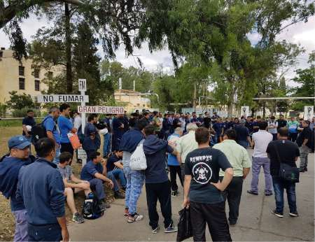 La asamblea de trabajadores en la sede de Villa María
