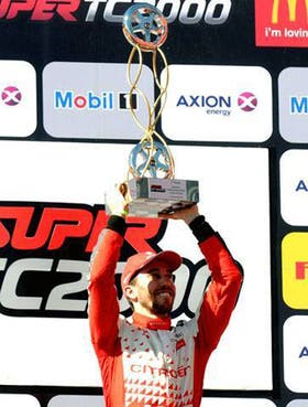 Esteban Guerrieri, en lo más alto del podio