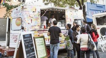 Los food trucks empezarán a llegar a los barrios en febrero