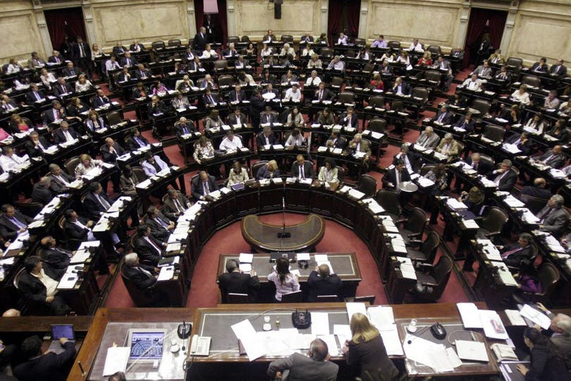 El ingreso de bolsillo de los legisladores es de $ 46.382