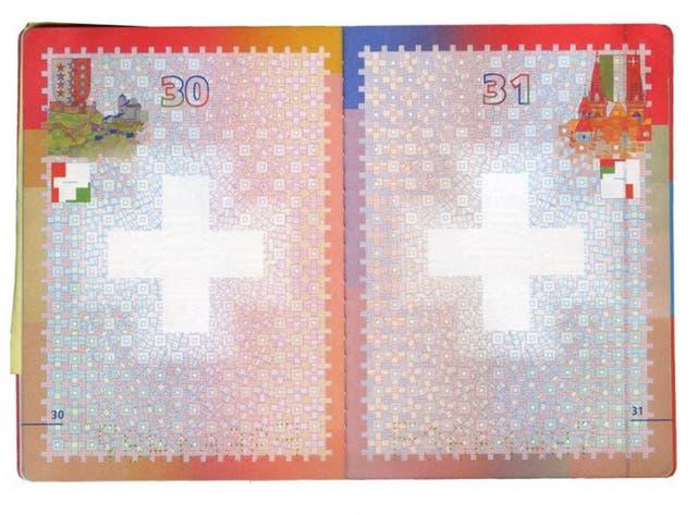 El interior del pasaporte suizo