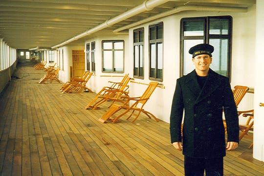 Luis Incisa, en la cubierta del Titanic. Foto: Gentileza Luis Incisa
