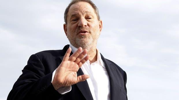 Premios Emmy expulsan a Harvey Weinstein