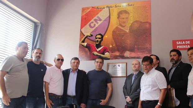 El homenaje de Nacional e Independiente para Erico