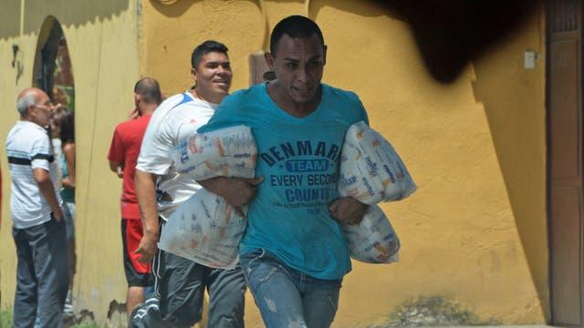 Maduro dio un discurso que fue una declaratoria de guerra contra los venezolanos, así lo manifestó el líder opositor Henrique Capriles.