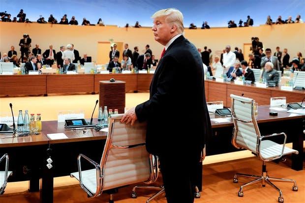 Trump, ayer, al llegar a una reunión de la cumbre, en Hamburgo