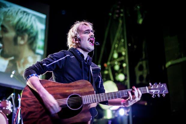 El cantautor estrenó en la Bienal las canciones de su flamante álbum Guerrera/Soldado