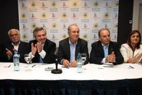 La presentación de la alianza entre La Juan Domingo y Alberto Fernández