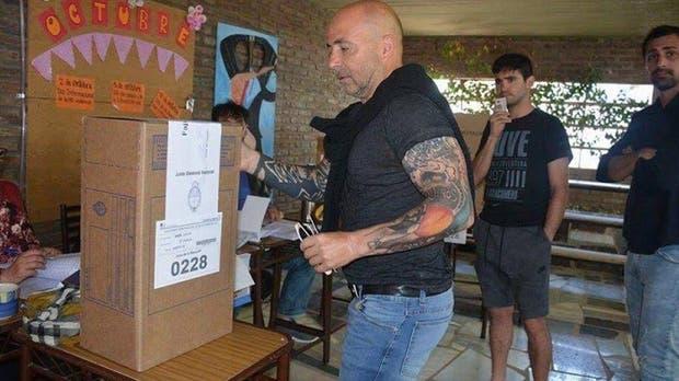 El voto de Sampaoli en la localidad de Casilda
