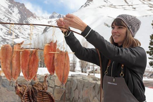 Deborah de Corral cocinó en Las Leñas invitada por Galicia Éminent.