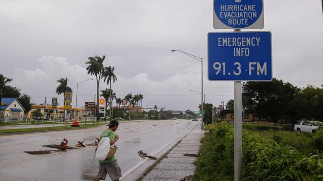 Huracán Irma: se aprovecharon del caos desatado por la tormenta y saquearon un local de deportes