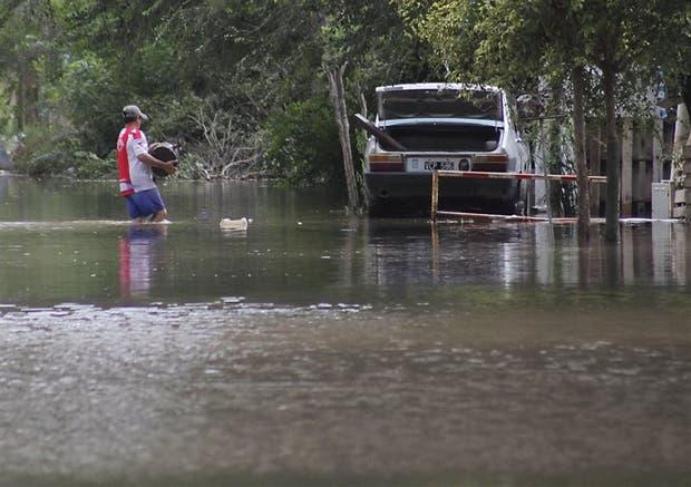 Calles inundadas en las afueras de Santa Rosa