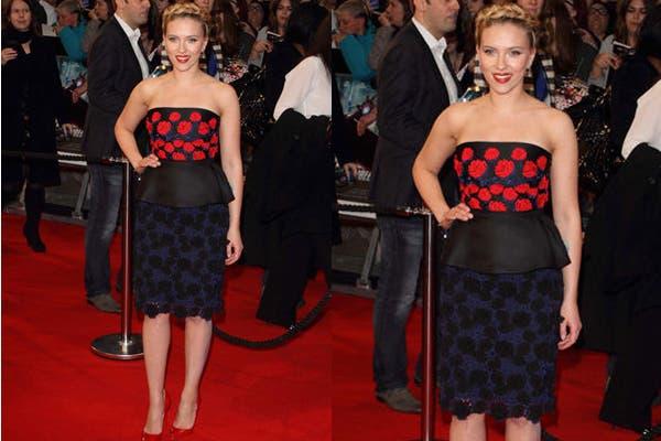 Scarlett Johansson con un diseño de Prada ¿Te pondrías este vestido?. Foto: Foto: moda pasión