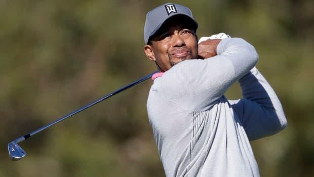 Tiger Woods anuncia que regresará a jugar el próximo mes