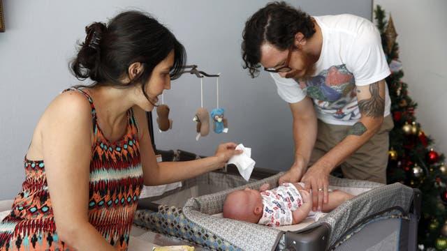 Licencia por paternidad: propone el Gobierno que pase de 2 a 15 días corridos
