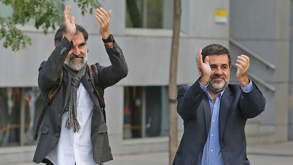 Los promotores de la Independencia, Jordi Sánchez y Jordi Cuixat, quienes encabezan la Asamblea Nacional Catalana (ANC) y de Omnium, respectivamente, irán a la cárcel