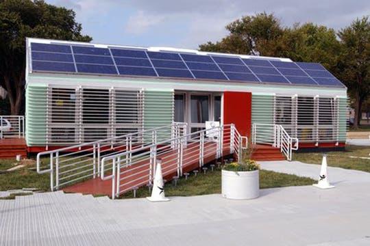 Una de las casas solares de la primera edición de Estados Unidos en 2002. Foto: Gentileza www.solardecathlon.jpg