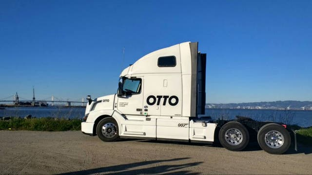 Uno de los camiones Otto que presentó Uber en San Francisco