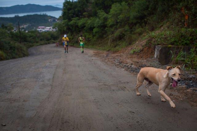 Marley marca el camino, detrás Giliard lucha contra Fernando Beserra, quien terminara 5to