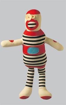 Muñeco con forma de robot (Sopa de Príncipe, $ 62).