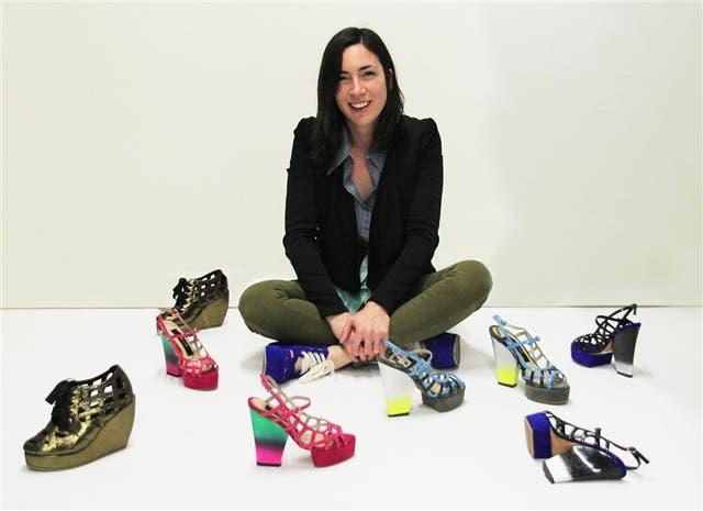 Crecimiento. Lorena Pafundi arrancó a los 21 años y hoy tiene una fábrica de zapatos. Un espacio de creatividad en Ciudadela que es plataforma de lanzamiento de diseñadores emergentes y lugar favorito de autores y marcas de moda