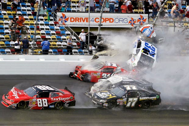 El momento del accidente en la Nascar Nationwide