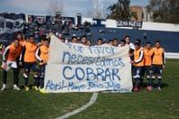 """""""Necesitamos cobrar"""", el reclamo de los jugadores de Independiente Rivadavia, y la insólita expulsión del arquero de Instituto"""