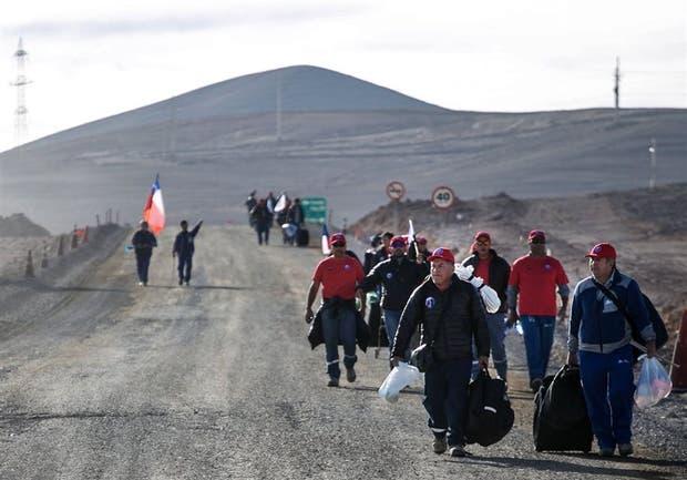 Los mineros de La Escondida iniciaron ayer la huelga
