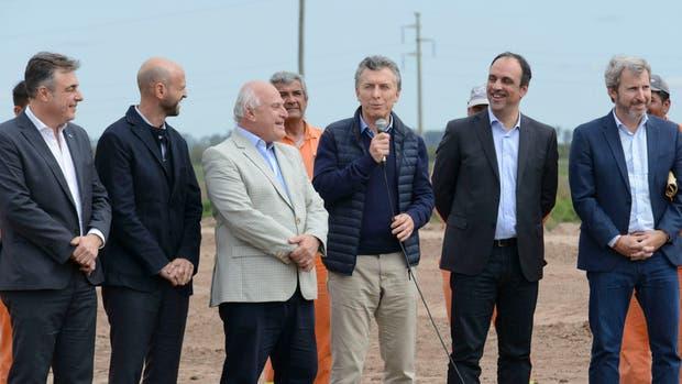 Mauricio Macri en las obras que transformarán en autovía la ruta nacional 34 en la localidad de Rafaela
