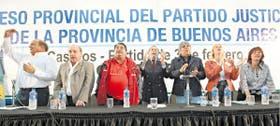 Díaz Bancalari, Pampuro, Curto, Balestrini, Moyano, Alvarez Rodríguez y García, la mesa del congreso que sesionó 17 minutos en Tres de Febrero