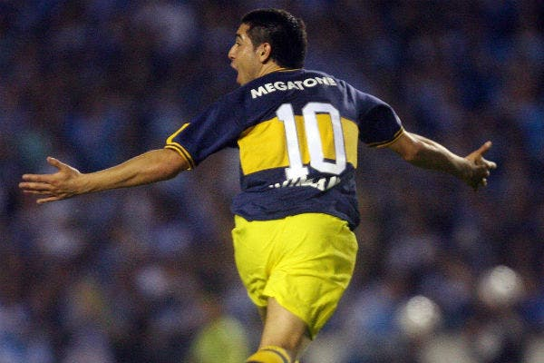 Juan Román Riquelme cautivó a miles de fanáticos brasileños