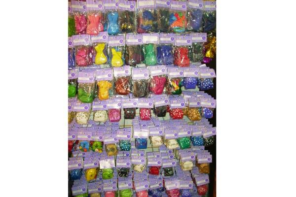 Tienen varios estilos de globos: colores, formas y diversos tipos. Foto: Foto: Gentileza la Violeta Cotillón