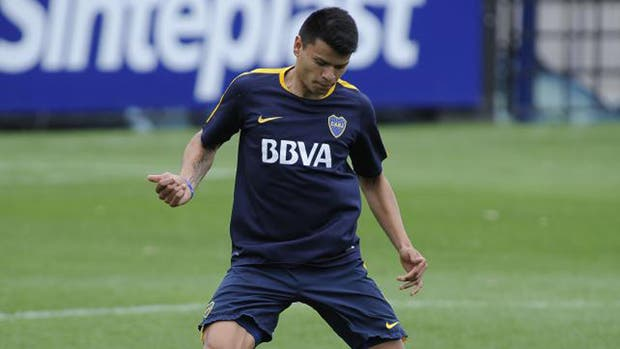 Bou será uno de los delanteros ante Chivas