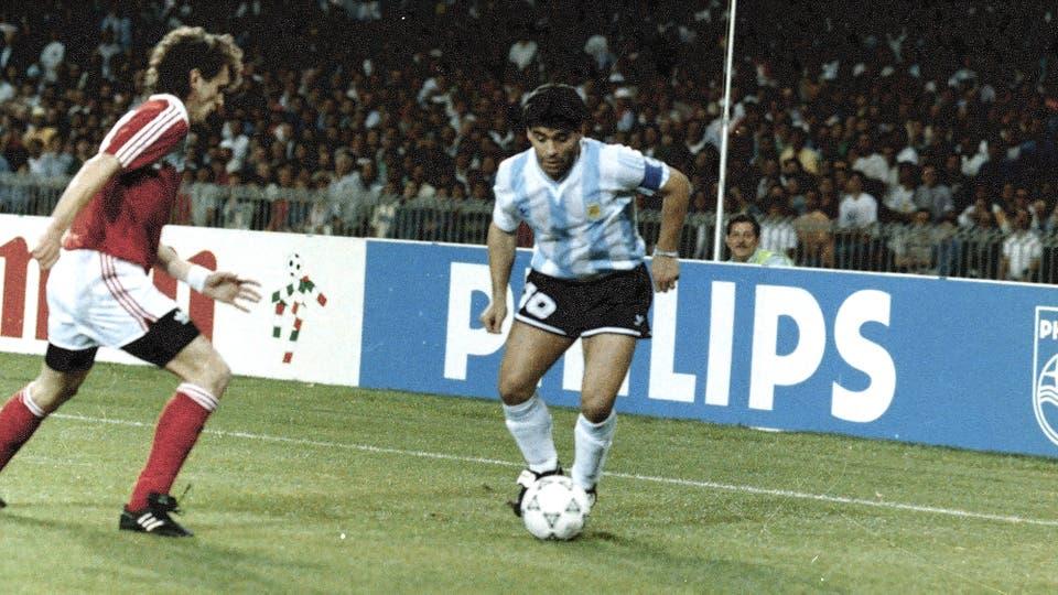 13-6-1990: después del duro golpe ante Camerún en el debut de Italia 90, se logró un valioso triunfo ante Unión Soviética. Foto: LA NACION