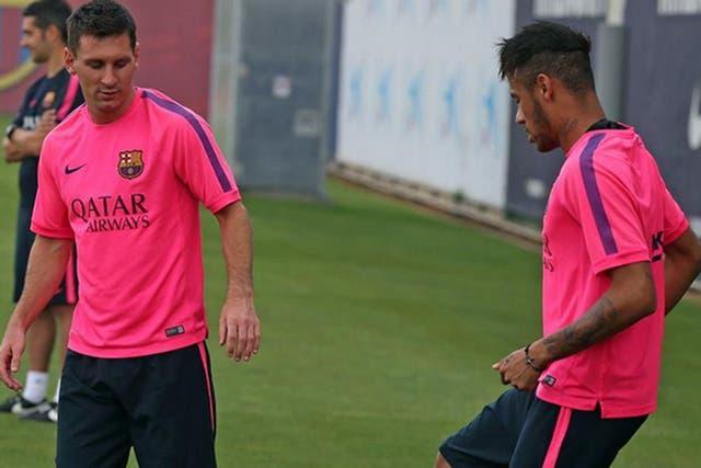 La Pulga, en el entrenamiento de hoy, junto a Neymar