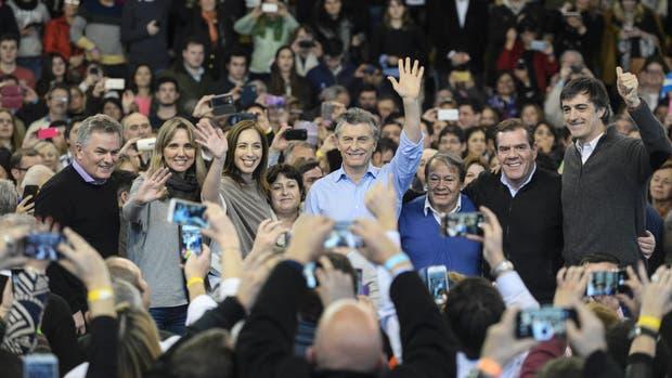 Mauricio Macri y María Eugenia Vidal, estuvieron hoy junto a los precandidatos legislativos bonaerenses de Cambiemos en la ciudad de Bahía Blanca