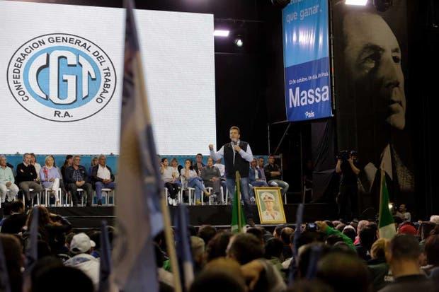 Rodeado de aliados sindicales, Massa prometió construir el peronismo del siglo 21