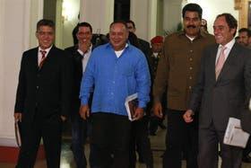Cabello y Maduro, ayer a la madrugada, en el Palacio de Miraflores