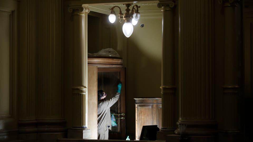 Refacciones en el edificio del Senado de la Nación: el palacio empezó a ser puesto en valor en 2012; encontraron frescos con las figuras modificadas, un vitral mal armado, pisos alterados, una pared falsa y una bóveda sin uso, entre otras curiosidades. Foto: LA NACION / Silvana Colombo