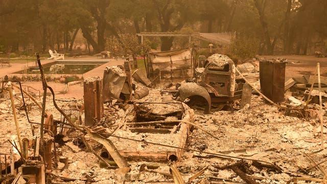 EL fuego fue tan rápido en intenso que solo se pudo pensar en salvar a las personas