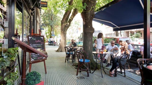Arguibel y Báez, en Las Cañitas, uno de los ejemplos de centro comercial gastronómico que creció en función de la demanda