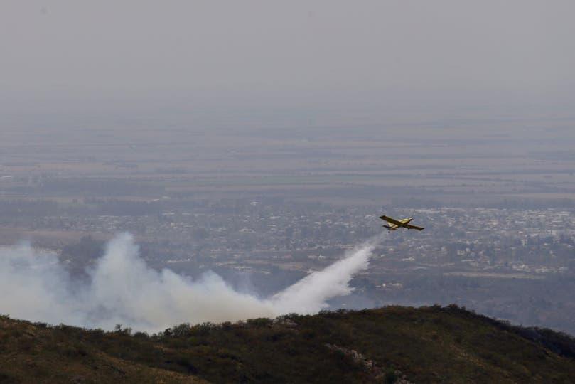 El viento complica la situación de los incendios en Córdoba