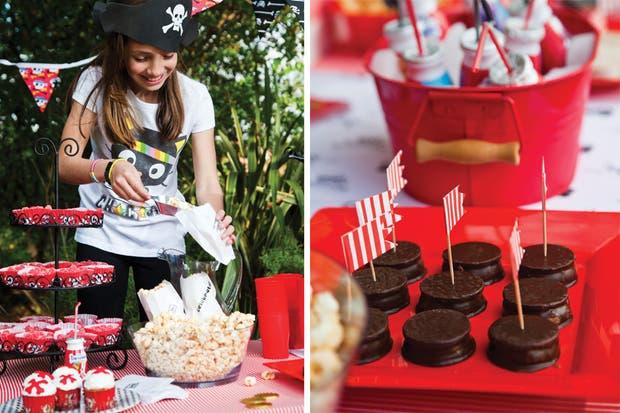 Acá se logró con tarimas para sostener los conos de cereales, las tazas que acomodan pinchos de galletitas y monedas de chocolate esparcidas sobre el mantel.
