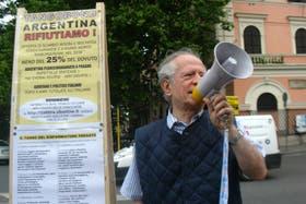 Bonistas italianos, en su mayoría jubilados, que no ingresaron al canje reclaman ahora en Nueva York