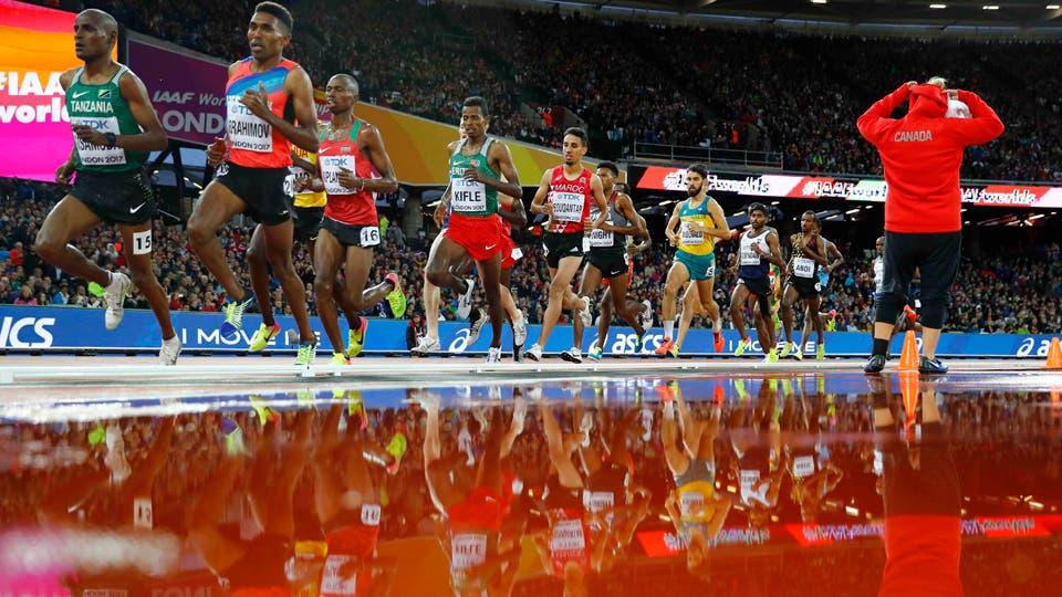 5000 metros de los hombres - Cyrus Turro de Kenia y Birhanu Balew de Bahrein. Foto: Reuters