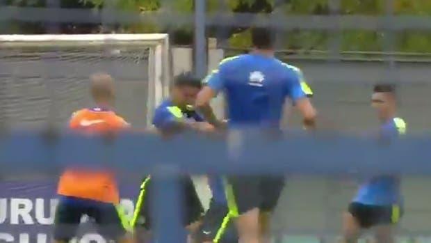 La pelea entre Insaurralde y Silva, en pleno entrenamiento