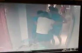 Llegada tarde y pelea en la concentración en el Costa Galana