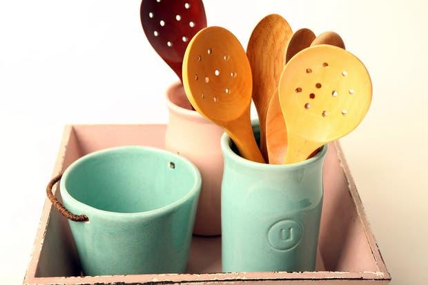 Tarros de cerámica para guardar los utensilios de cocina - BARTOLOMEA.